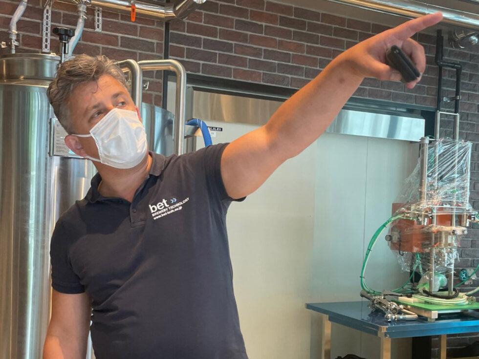 ビール造りのポイントを語るマルクス代表